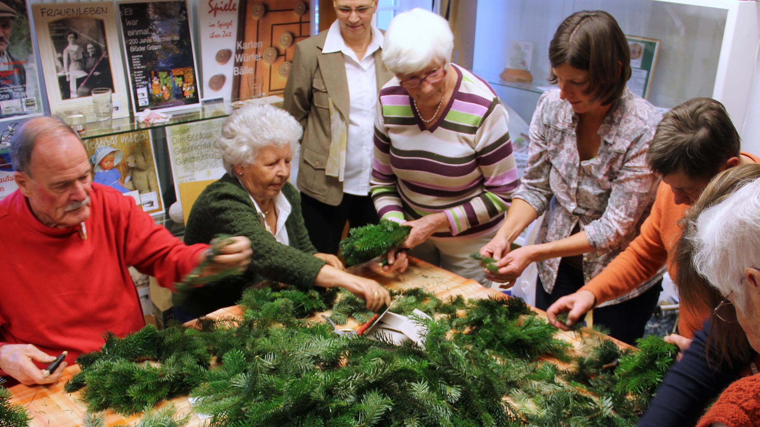 Seniorentreff in Biengen Adventskranz