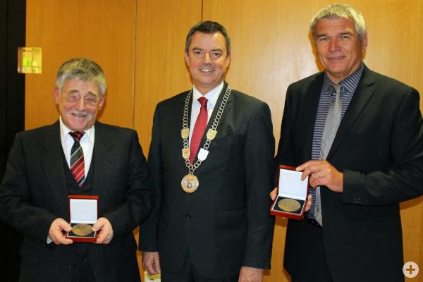 Verdienstmedaille für Albert ter Wolbeek und Rainer Kühlwein