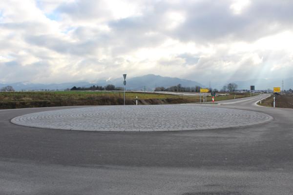Feierliche Eröffnung des Kreisverkehrs bei Tunsel