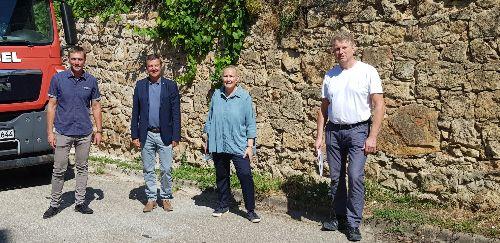 Benjamin Borgas, BM Kieber, Noelle von Cornberg, Felix Metzger freuen sich über den Abschluss der Sanierungsarbeiten