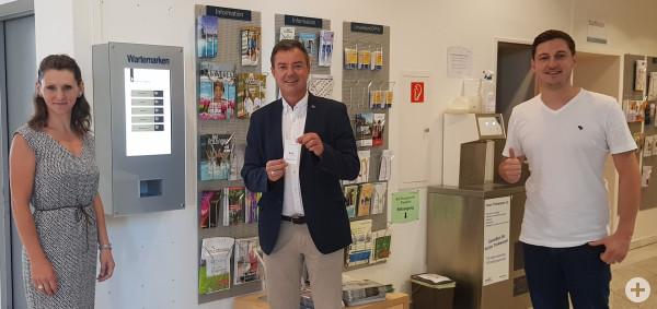 Wartemarkenautomat im Bürgerbüro eingeweiht